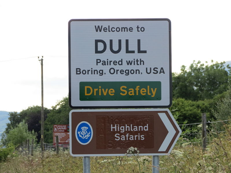 Dull road sign